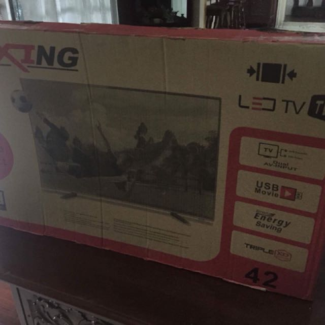 Lexing LED TV 42""
