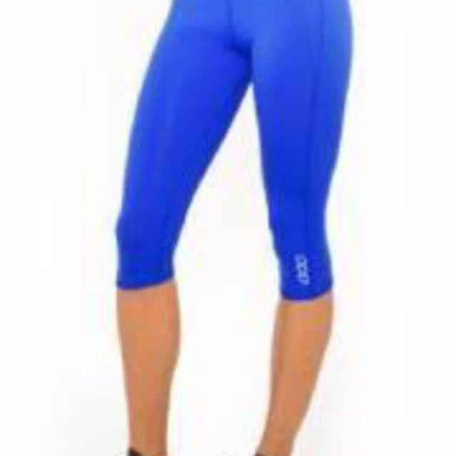 67005c719575d Lorna Jane blue 3/4 Tights XS, Sports, Athletic Clothing on Carousell