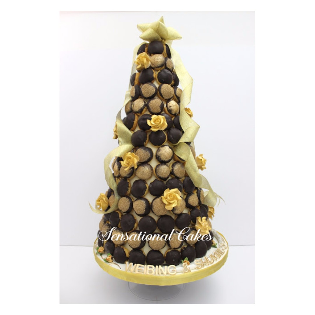 lovely romantic French croquembouche #red gold amazing wedding ...