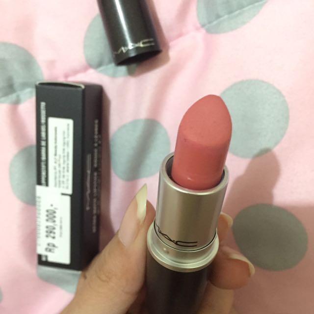 MAC lipstick - Runway hit