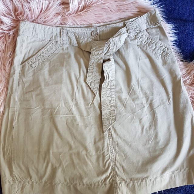 Marks and Spencer Light Tan Skirt sz 16 with Belt