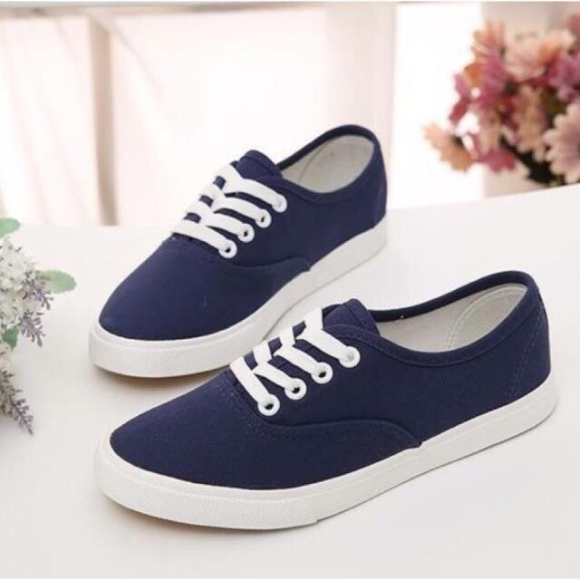 navy blue canvass shoes