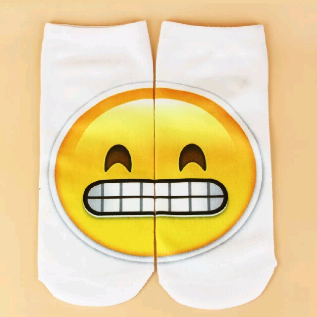 NEW Emoji Socks Unisex - Grin