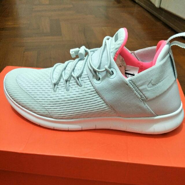 5c584904e502e Nike Free Run Commuter 2 Women s