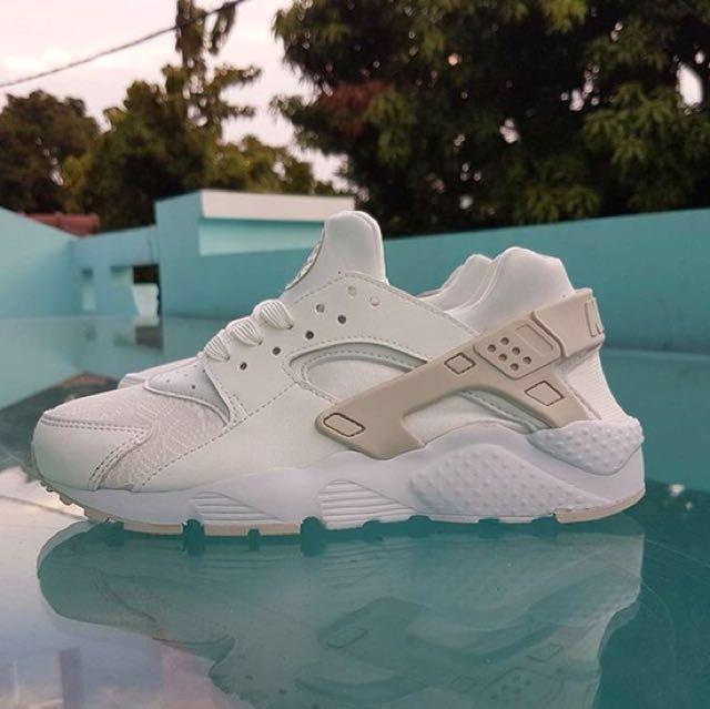 Nike Huarache Run SE GS White Original, Fesyen Wanita, Sepatu di ...