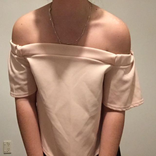 Off shoulder pink top