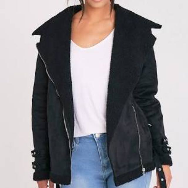 Prettylittlething Emilia black suede/ Sherpa winter coat jacket