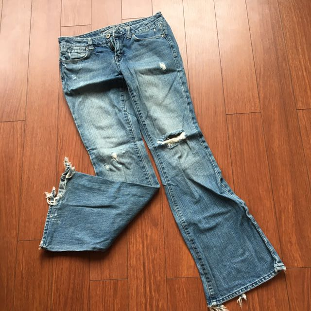 Ripped jeans (American Eagle)