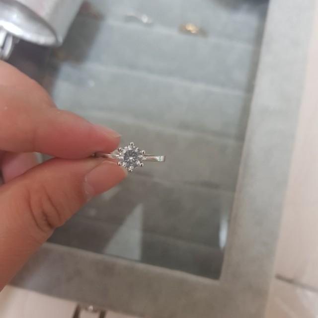S925純銀鋯鑽戒指
