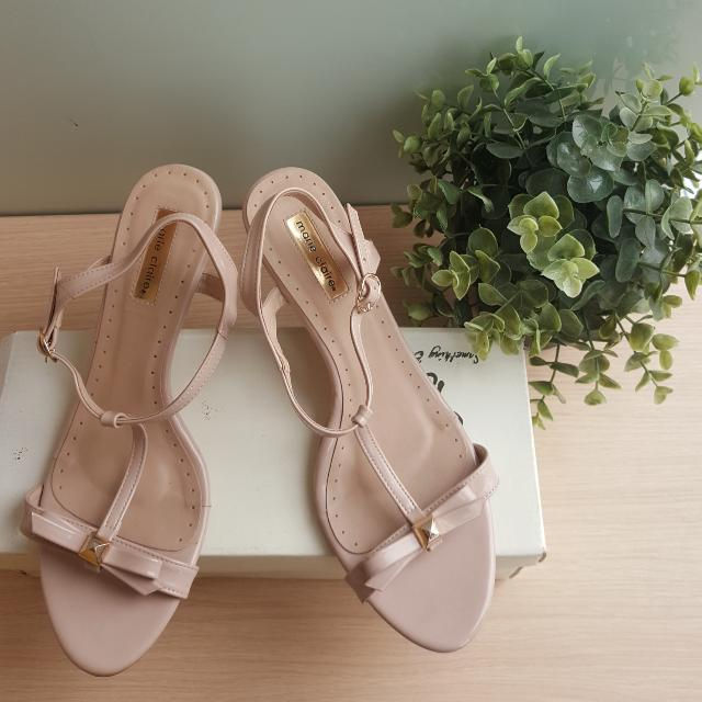 Sepatu Wedges Marie Claire