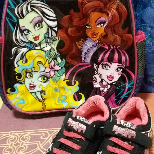 Set Monster High Bag And Shoes