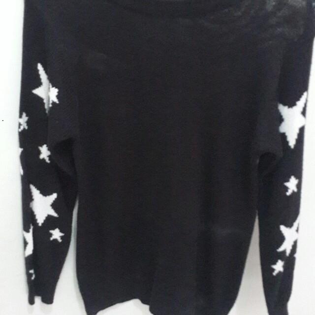Sweater hitam bintang