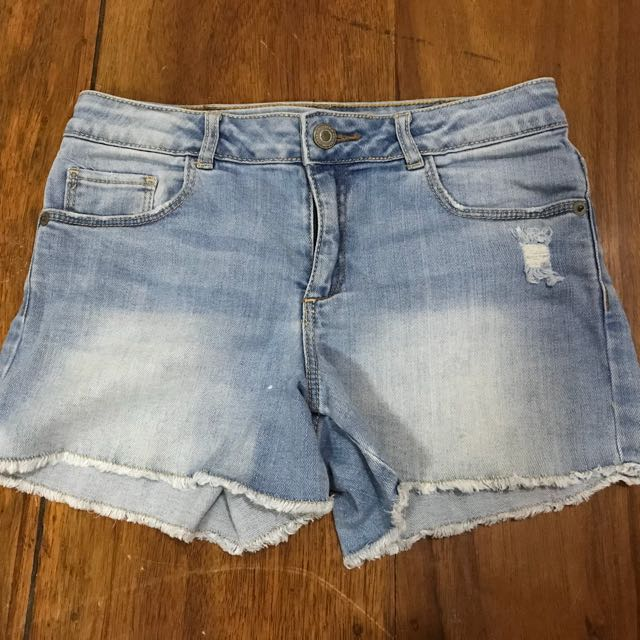 Zara distressed denim shorts (11/12)