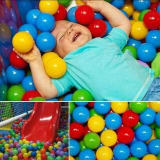 100pcs Play Balls multicolor