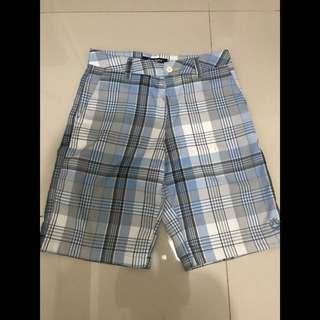 Celana pendek Lakilaki
