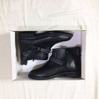 Brandnew leather boots from Promod