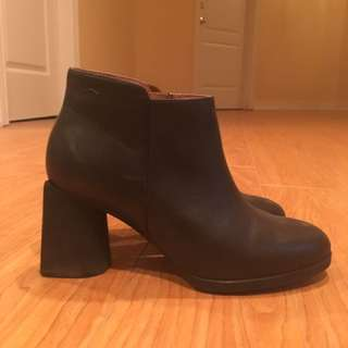 Camper boots size7.5 brand new