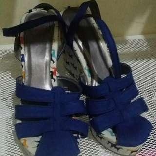 Sepatu uk 37