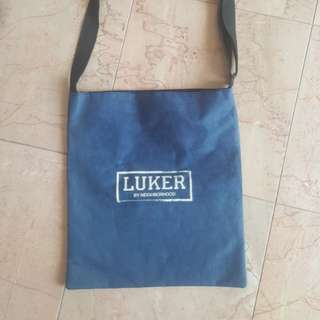 NBHD LUKER SLING BAG