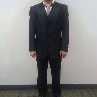 Men's 3pc Suit / Tuxedo