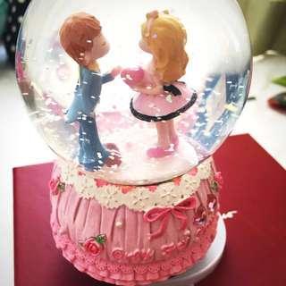 Snowball Music Box - Lovers