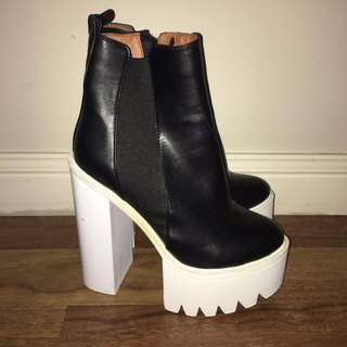 Missguided Black platform boots size 39 (AU 8)