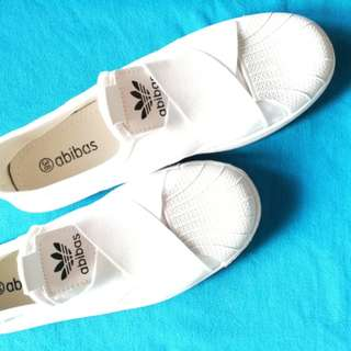 Restock - Everyday White Shoes