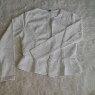 BLAZER EMBOSSED BAHAN BAGUS Kode 51641 Blazer putih, uk : Ld/p : 42/46