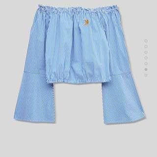 Preloved Pull and Bear blue summer stripe off shoulder short top