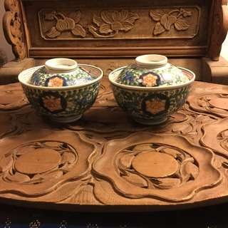 A pair of vintage Imari lidded bowls (C) - for sharing only