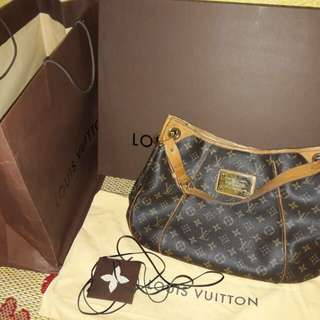 LV Monogram Galliera PM (price reduced)