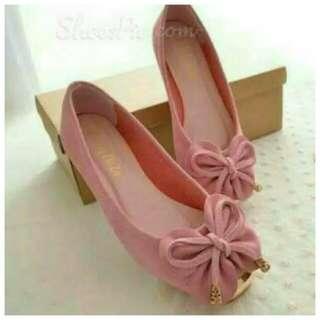 sepatu pita pink