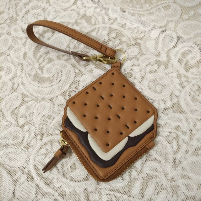👝 FOSSIL - S'more Bag Charm (Brown Sugar)