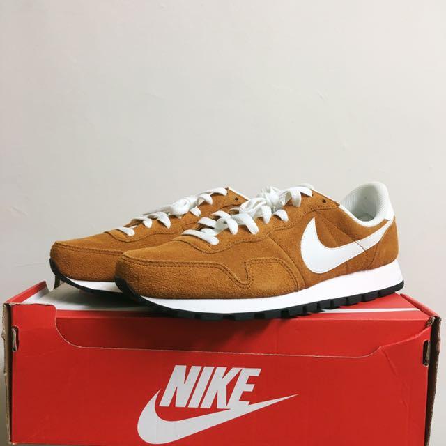 全新 Nike 復古男跑鞋