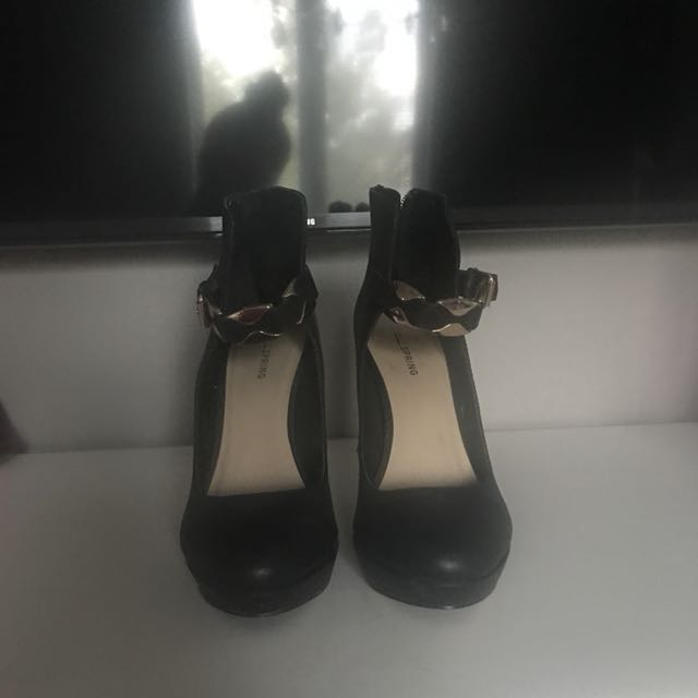 CALL IT SPRING Size 9 Heels