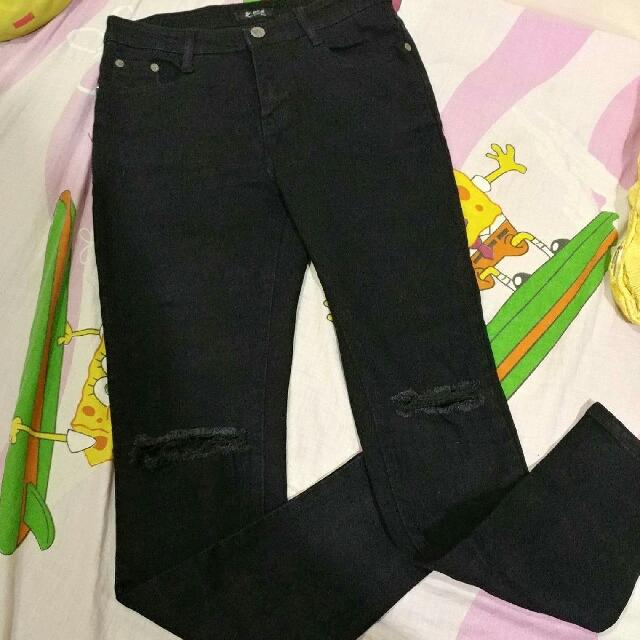 Black Highwaist Ripped Jeans