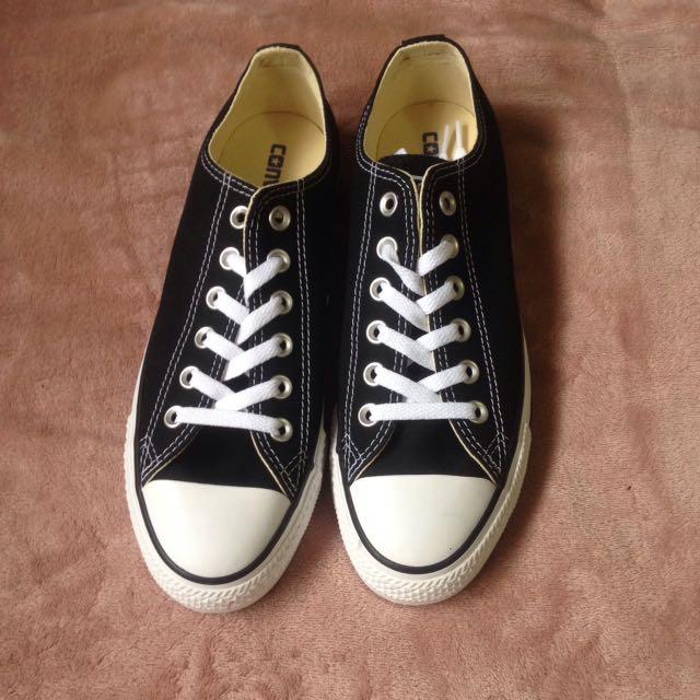 Brand New Converse Black Canvas Size 8.5W