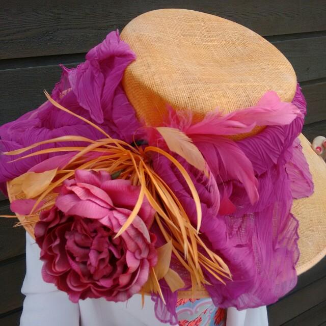 Fabulous pink & melon race day hat