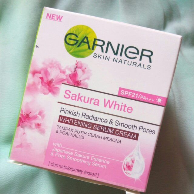Garnier Sakura White Pinkish Radiance Whitening Serum Cream