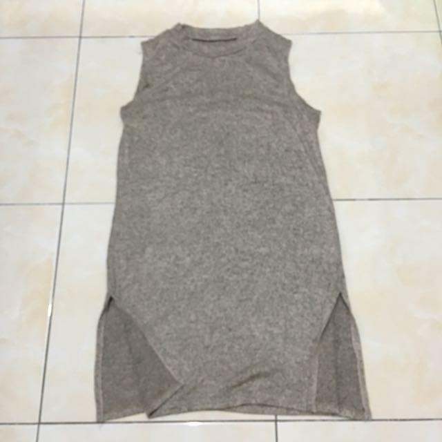 Gray dress with slit