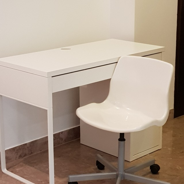 Ikea Micke White Office Desk With