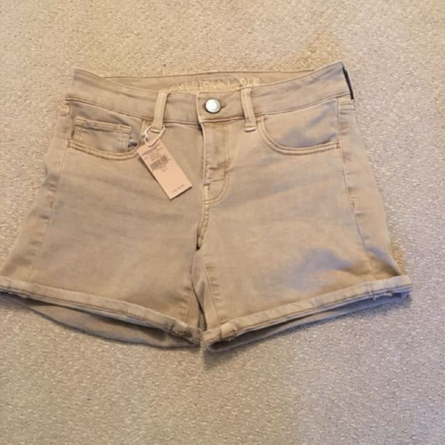 New American Eagle tan shorts Size 4