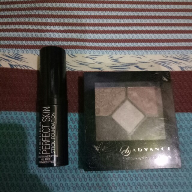 Nichido perfect stick foundaton and everbilena eyeshadow palette