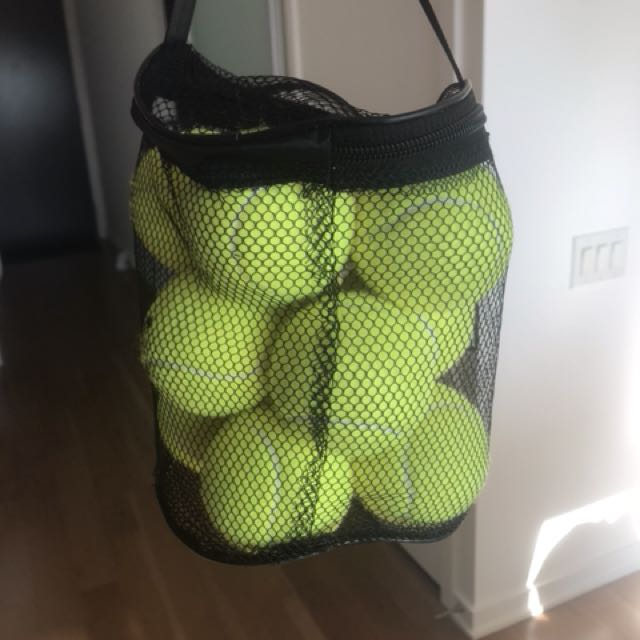Pack of 12 tennis balls