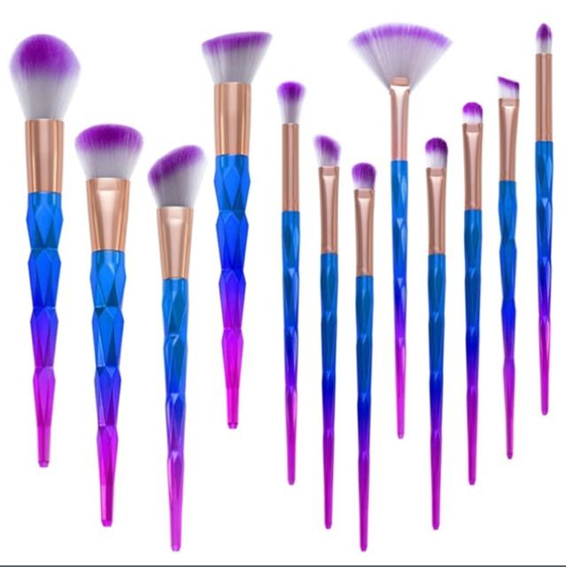 Pre order 12 pcs rainbow brushes