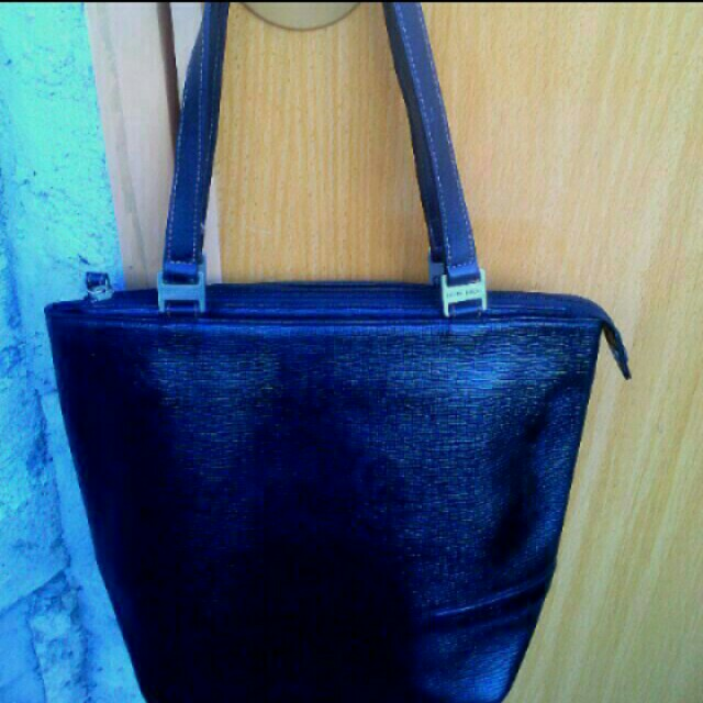 preloved authentic Nina Ricci bag