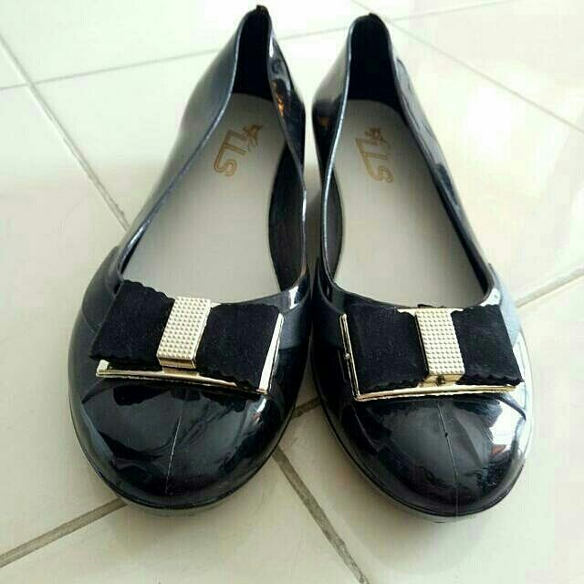 (Preloved) Flatshoes Jelly Hitam Cantik