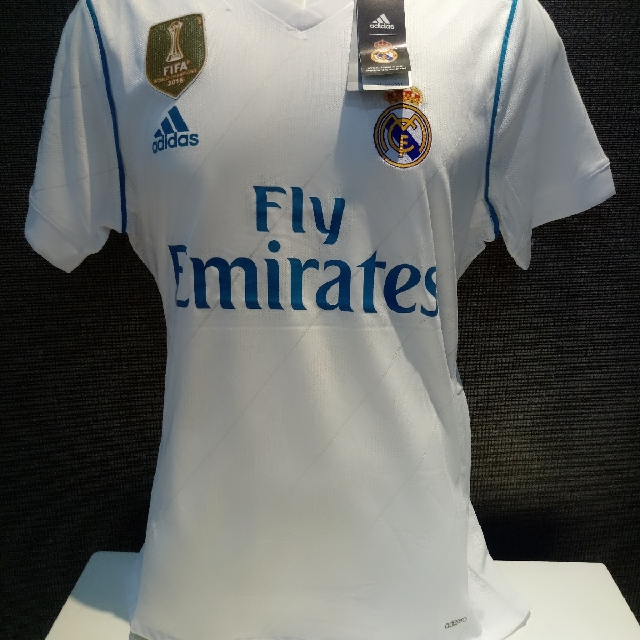 703df4146077 Real Madrid Home 2017-2018 Player Issue