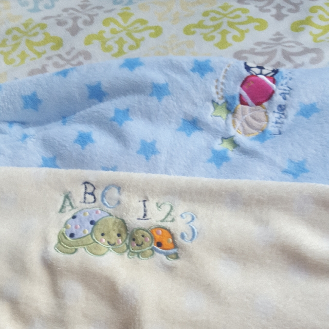 3 Selimut baby carters