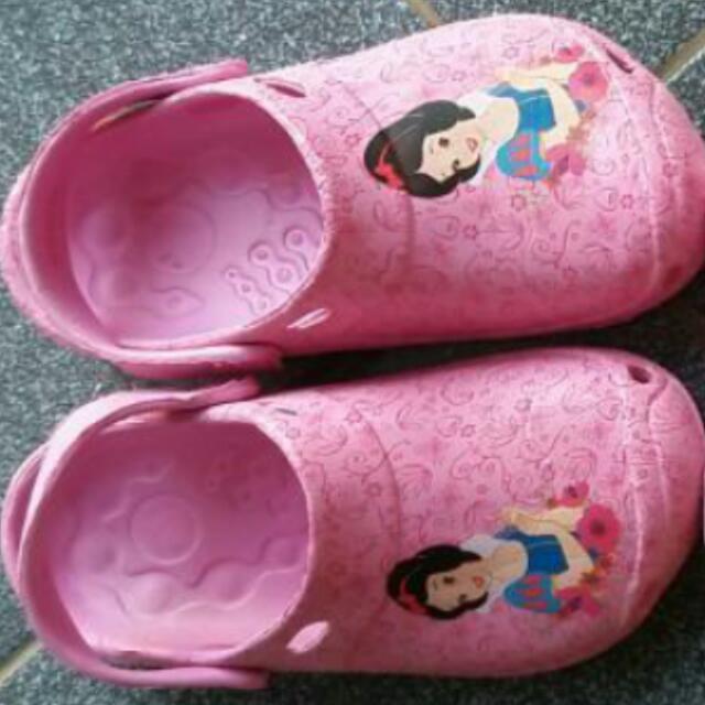 Sendal Disney Snow White